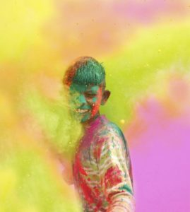 how to remove holi colors from face