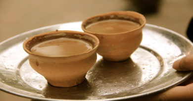 pune tea seller earns 12 lakh