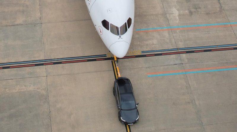 Tesla Model X Tows Boeing